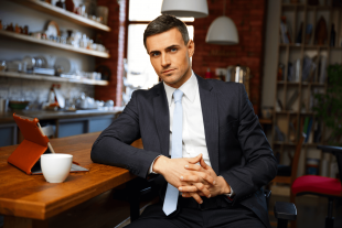 31 Powerful Signs of a Confident Man